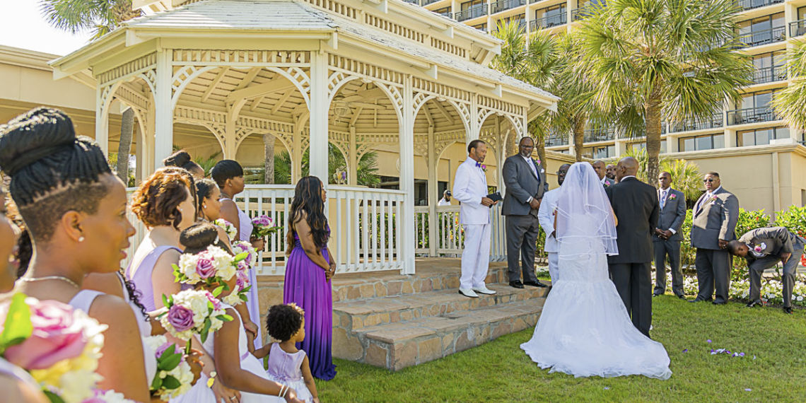 Indoor vs. Outdoor Weddings