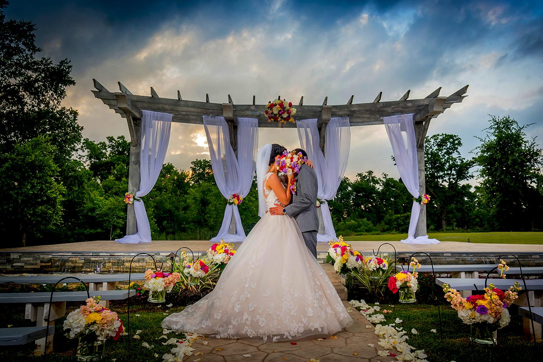 Indoor Vs Outdoor Weddings: Affordable Wedding Photography In